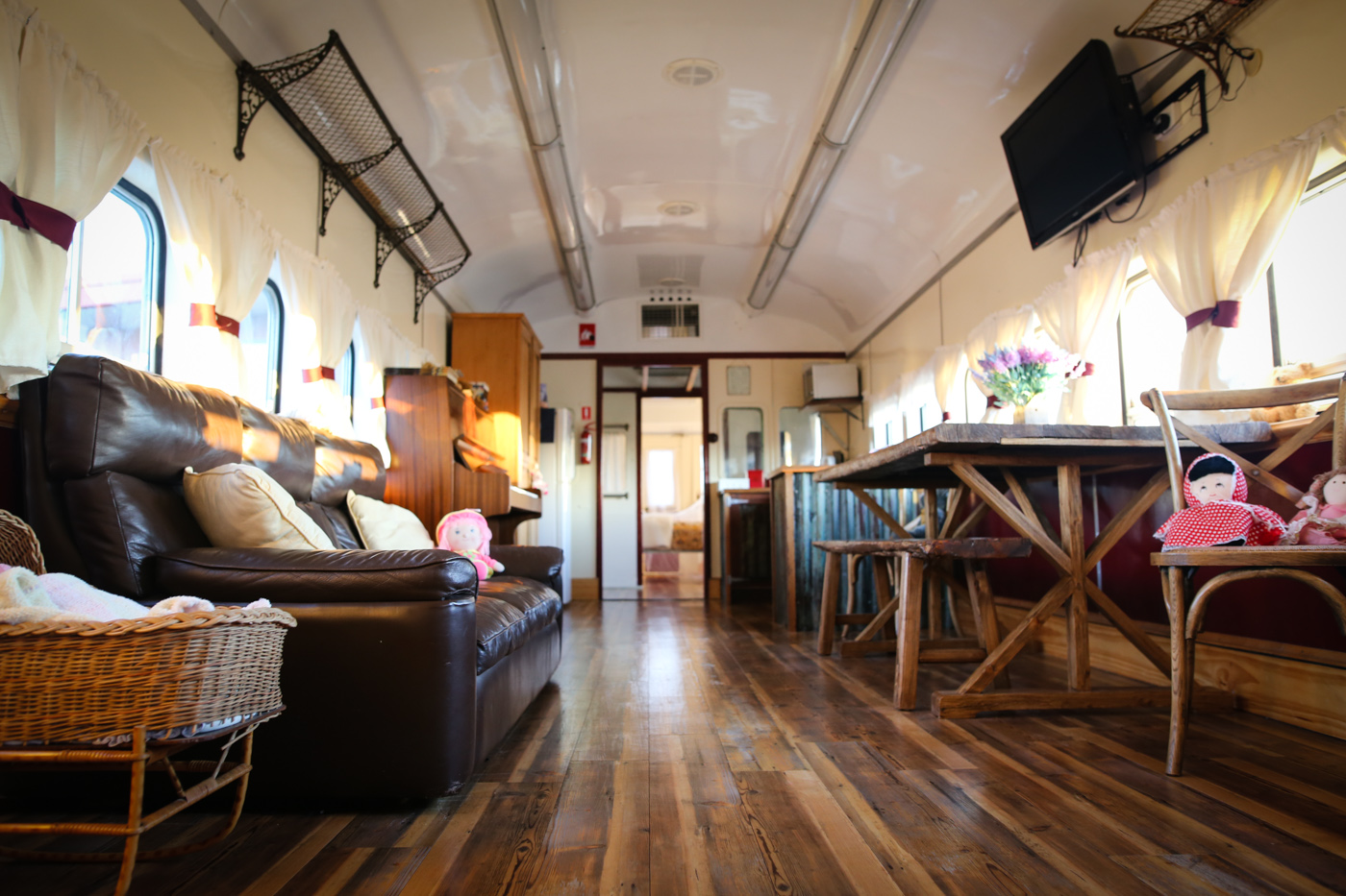 Mudgee farmstay accomodation train-5